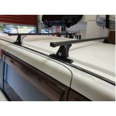 ROOF RACKS - NISSAN SERENA 2005-2010 (C25) - SQUARE BARS FIXED ON SHORT TRACKS